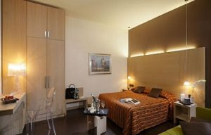 room in hotel Paris Mestre