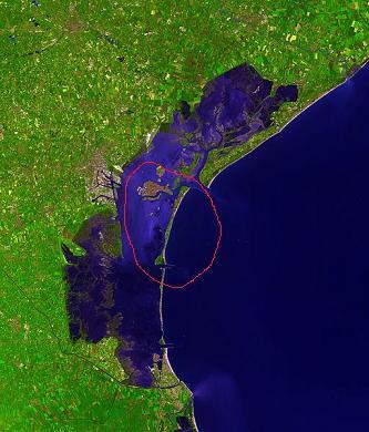 Het lido is een smal lang eiland van 11km lang dichtbij venetie - Tafelhuis van het wereld lange eiland ...