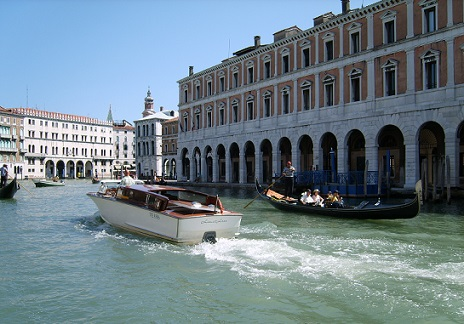 water taxi grande canal venice