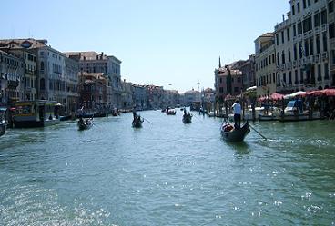 gondola's op het canal grande